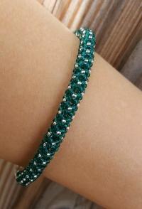 Zaļa stikla pērlīšu aproce